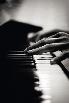Love the sound of the piano. I took lessons at 40. It's never too late.