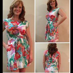 Fun Floral & Palm print dress. Make Offers! Super cute & comfy pocketed dress. 100% Rayon. Zips top back. Elastic waistline. BeBop Dresses Midi