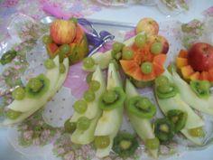 Frutas fatiadas.  I love. By Rose Oak