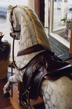 Classic rocking horse, I have an english bow rocking horse, same dapple grey Antique Rocking Horse, Vintage Horse, Rocking Horses, Equestrian Decor, Equestrian Style, Stick Horses, Wooden Horse, Carousel Horses, Horse Love