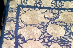 Antigüedades: Mantón de Manila antiguo en seda bordada a mano - Foto 4 - 55865212