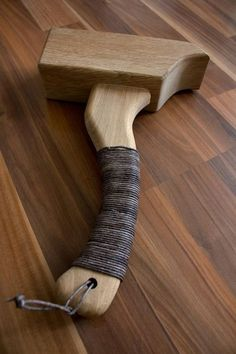 WOOD MALLET & LEDERRIEMEN GRAY | creativshake - Online Barschule #WoodWorkingTools