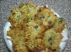 Malanga ( Taro Root) Fritters (sub flax egg) Taro Recipes, Cuban Recipes, Whole 30 Recipes, Vegetarian Options, Vegetarian Recipes, Cooking Recipes, Vegetarian Cooking, Vegan Meals, Vegetarian Food