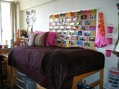 really like the pinboard & bedding