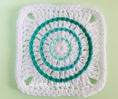 Lullaby Lodge: Learn how to surface crochet and make this cute granny square - A. : Lullaby Lodge: Learn how to surface crochet and make this cute granny square – A Lullaby Lodge tutorial… Sunburst Granny Square, Granny Square Projects, Granny Square Bag, Crochet Granny Square Afghan, Crochet Blocks, Granny Square Crochet Pattern, Crochet Stitches Patterns, Crochet Squares, Granny Squares