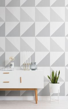 Get the minimalist, pared back Scandinavian look with this fabulous Grey Triangles Mural Wallpaper. The simple, clean lines make it compliment almost any interior styles. 60s Home Decor, Home Decor Bedroom, Home Decor Items, Grey Triangle Wallpaper, Grey Wallpaper, Interior House Colors, Home Interior Design, Grey Hallway, Hallway Wallpaper