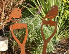 Mountable Rusty Metal Owl - A great gift for Mothers Day  This beautiful Barn Owl looks so life like and absolutely stunning in any garden setting. Mount this silhouette on the top of a fence, post or wall in your garden, even a tree branch.  The rusty patina gives a natural and unique finish, which continues to mature and look better with age. Best of all the owl requires no maintenance and does not need protection from bad weather. This is one piece of garden décor that will maintain its…