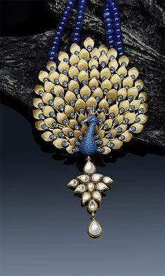 Gold Jewellery Shops in Chennai - Gold Jewellery in Chennai - JCS Jewellery Wedding Jewellery Designs, Antique Jewellery Designs, Gold Jewellery Design, Peacock Jewelry, Real Gold Jewelry, Gold Wedding Jewelry, Jewellery Showroom, Jewellery Shops, Terracota Jewellery