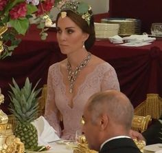 Kate returned to the pearl and diamond Cambridge Lover's Knot Tiara for the King and Queen of Spain. Duchess Catherine at the Spain State Dinner. July 12, 2017