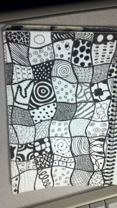 Doodle Art Drawing, Zentangle Drawings, Doodles Zentangles, Mandala Doodle, Zen Doodle, Mandala Art, Doodle Patterns, Doodle Designs, Zentangle Patterns