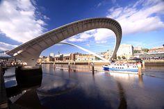 Gateshead Millenium Bridge   Newscastle, England  Wilkinson Eyre Architecs