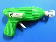 Pull the trigger and air is released to blow the bubbles. Must dip tip of gun in bubbles to see if it works.I do not have bubbles to test how well it works. This is a collector item for any Incredible Hulk fan.very rare ! | eBay!
