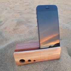 Three Dot Beat Block Acoustic iPhone Amplifier by TyDeMusic