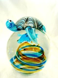 Hand-blown glass paperweight, turtle ღ