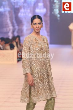 Misha-Lakhani - PFDC-L'Oréal-Paris-Bridal-Week-2014-ebuzztoday (92)