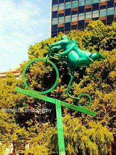 Al cielo: parque de la escultura Chile 2014 #chile #parquedelaescultura #providencia #providenciachile  #concursodefotografia #fotoamateur #fotoaficionado #participaygana #fotografos #fotografia #concurso #arte #photographers #imagen