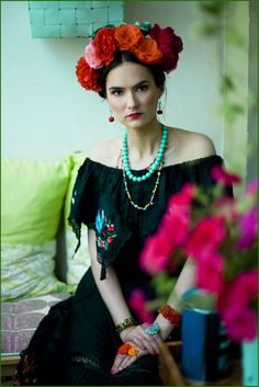 fot. Emilia Kallinen Frida Kahlo inspired photoshoot
