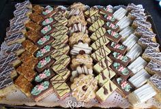 Croatian Recipes, Hungarian Recipes, Hungarian Cookies, Cookie Recipes, Dessert Recipes, Waffle Cake, Sweet And Salty, Winter Food, Cookie Decorating