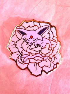 Espeon napping in a Kikuzakura aka Chrysanthemum Sakura🌸 Pin details: Gold plated Hard enamel inches Double rubber clasps Pokemon Pins, All Pokemon, Cute Pokemon, Pokemon Stuff, Pokemon Eeveelutions, Cool Pins, Metal Pins, Pin And Patches, Pastel Goth