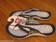 Women's crocs flip flops thongs Ocean Minded RARE Tamaraok chocolate OM 206 8
