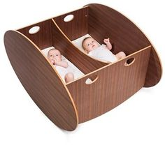 Such a cute cradle for twins! It's the So-Ro Twin Cradle from Babyhome. It gently rocks both babies! Baby Rocking Crib, Baby Cribs, Cradles And Bassinets, Baby Cradles, Scandinavian Baby, Scandinavian Design, Wood Cradle, Nursery Twins, Nursery Ideas