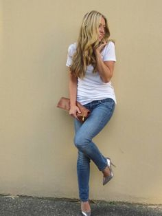 Totally my go too look. I'd rock the skinny jeans with a ribbed tank though :)