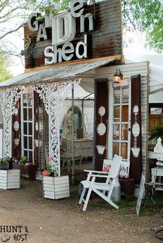 Spring 2017 Trends From Round Top Antiques Week - Salvaged Living Antique Store Displays, Antique Stores, Craft Booth Displays, Display Ideas, Shop Displays, Retail Displays, Merchandising Displays, Window Displays, Flea Market Booth
