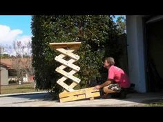 Homemade Scissor Lift (Using Wooden Gears) Diy Projects Plans, Craft Projects, Projects To Try, Woodworking Planes, Woodworking Projects, Origami Bridge, Wood Jig, Lift Table, Wooden Gears