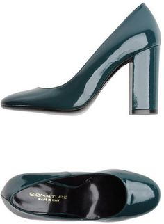 ShopStyle: SIGNATURE Closed-toe slip-ons