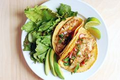 fish tacos with heirloom tomatoes and peach salsa  // brooklyn supper #sponsored