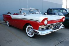 1957 Ford Fairlane 500 Skyliner Convertible with Retractable Hardtop (1 of 12)