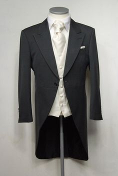 Classic Grey Morning Suit to hire from £130.00