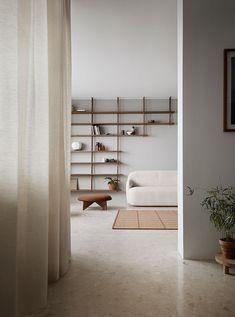 Minimalist Interior, Minimalist Home, Minimalist Shelving, Minimalist Design, Home And Living, Living Room, Kitchen Living, Interior Minimalista, Beautiful Sofas