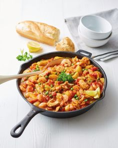 One pan italian fish stew - aldi uk recipes to cook in 2019 Aldi Recipes, Dinner Recipes, Cooking Recipes, Healthy Recipes, Dinner Ideas, Recipies, Slimming World Fish Recipes, Italian Fish Stew, Fisher