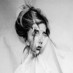 folded distortion - Fiona Taylor looks like a migraine to me. Distortion Photography, Portrait Photography, Face Off, Art Alevel, Ugly To Pretty, Photocollage, A Level Art, Glitch Art, Ap Art