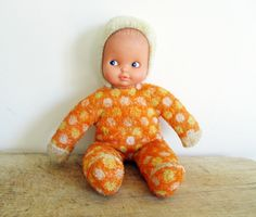 Vintage french doll inches height cm) Not marked, but CLODREY Fabric body Vintage condition Shipping and tracking number in France French Baby, Needle Case, Old Paper, Little Dogs, Fabric Dolls, French Vintage, French Antiques, Vintage Sewing, Baby Dolls