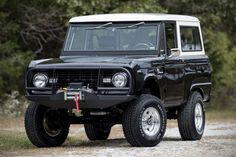 Auction Block: Fully restored 1972 FORD BRONCO