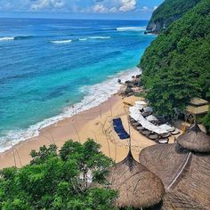 Karma Beach Club at Karma Kandara Resort - Ungasan Bali. #theluxurybali #karmakandara #karmabeachclub #karmaexperience  With blissful barefoot days and carefree glamorous nights Karma Beach (@karmabeachclubs) at Karma Kandara (@kandarakarma) arent places simply to dip your toe in the water. Dive in for the ultimate in immersive sand-and surf-hedonism Family-friendly fun-filled days of watersports beachcombing oceanside spa treatments and cool private cabanas.  Followed by sensual star-filled…