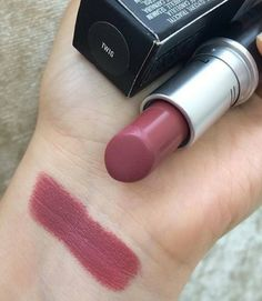 45 Best MAC Lipstick Shades You Should Try - Hair and Beauty eye makeup Ideas To Try - Nail Art Design Ideas Makeup Dupes, Makeup Kit, Love Makeup, Skin Makeup, Makeup Lipstick, Makeup Cosmetics, Makeup Ideas, Lipstick Dupes, Lipsticks