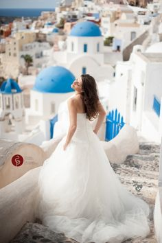 Santorini wedding Bridal portraits from real weddings. Click the image to see the full collection