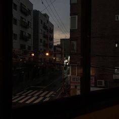 Night Aesthetic, City Aesthetic, Aesthetic Grunge, Aesthetic Photo, Aesthetic Pictures, Aesthetic Japan, Aesthetic Dark, Purple Aesthetic, Dark Feeds