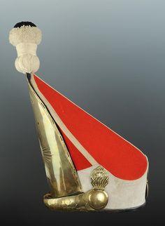 MITRE DE PARADE DES GRENADIERS DU 1er R�GIMENT � PIED DE LA GARDE, mod�le 1889/1890 modifi� en 1894.