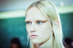 Le défilé Givenchy printemps-été 2015 côté beauté http://www.vogue.fr/beaute/buzz-du-jour/diaporama/fw2015-le-defile-givenchy-printemps-ete-2015-cote-beaute/20554/image/1096353#!4