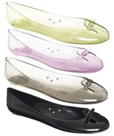 flexible and comfy anne hathaway jelly shoes