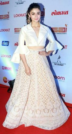 Alia Bhatt Redefines Ethnic Chic In Abu Jani And Sandeep Khosla's Glam Ensemble - I am in the class Source by - Indian Fashion Dresses, Indian Gowns Dresses, Dress Indian Style, Indian Designer Outfits, Indian Wear, Fashion Outfits, Indian Fashion Trends, Indian Attire, Pakistani Dresses