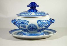 A Chinese Export Blue Enamel Fitzhugh Sauce Tureen, Cover and Stand, circa 1810.