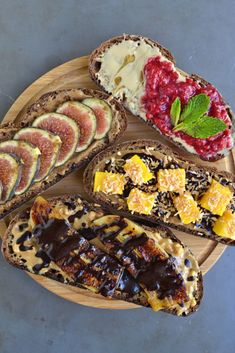 4 Nut Butter and Fruit Toasts | http://www.radiantrachels.com/4-nut-butter-fruit-toasts/