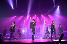 인피니트 CHING-GYU ‏@ifnt_chinggyu 1m [Pic] 131001 INFINITE – 1st World Tour 'One Great Step' in Yokohama Official Photos|cr: woollim entertaiment/cj e&m pic.twitter.com/cV9uEesz81