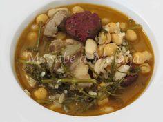 El potaje de hinojos y arroz es muy típico de los pueblos de la Axarquía malagueña como Canillas de Albaida, Árchez o Cómpeta. Se trata...