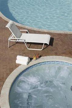 Hotel Deal Checker - Lido Beach Resort